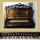 NS-44, Harmonium, klavier
