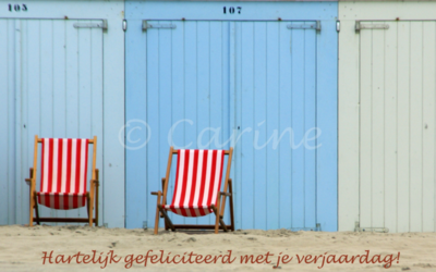 Strandstoelen felicitatie (Ansichtkaart)